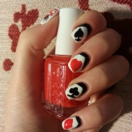 casino-playing-cards-inspired-nail-art-design-suits-mani-7